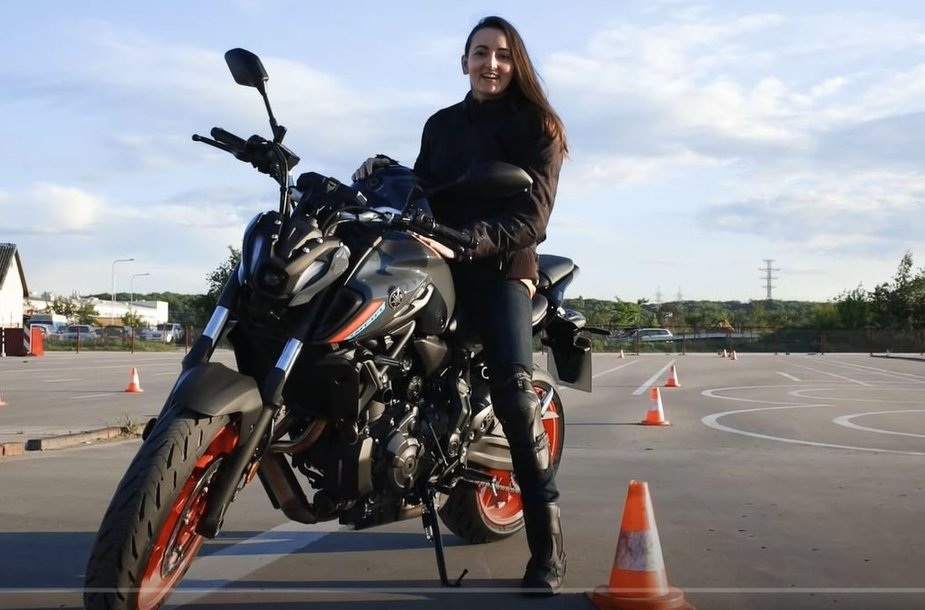 Solveiga Dambrauskaitė-Bakutienė: kaip mokytis važiuoti motociklu