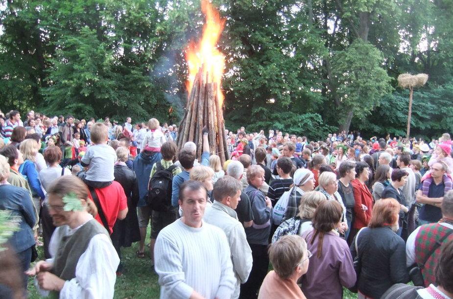 Rasos (Joninių) šventė Verkių regioniniame parke