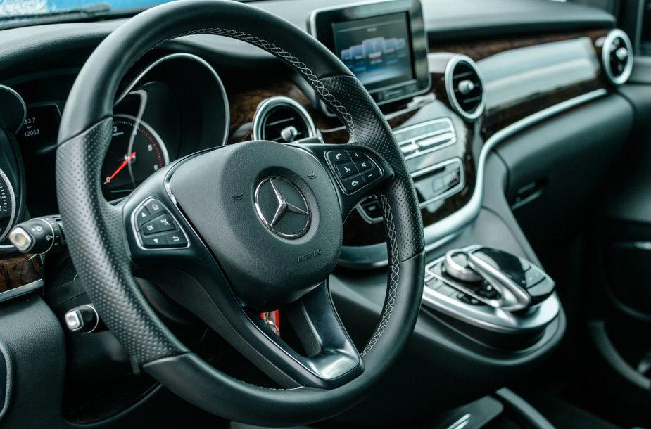"""Antroji """"Mercedes-Benz StarExperience"""" diena: komerciniai automobiliai"""