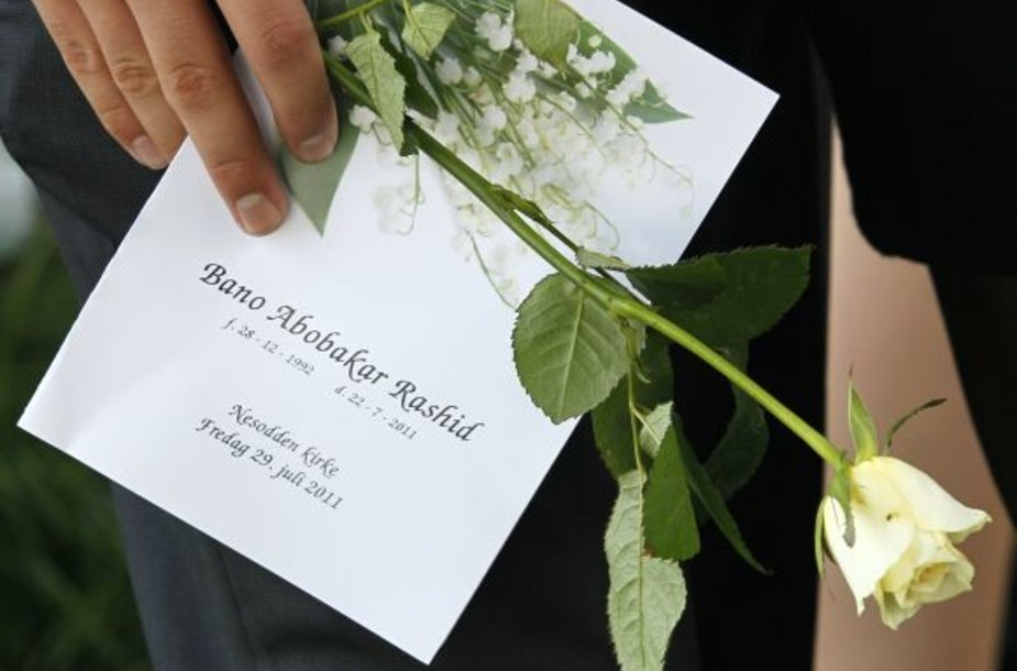 Pirmoji Norvegijoje amžino atilsio atgulė iš Irako kilusi 18-metė Bano Rashid, žuvusi Utojos saloje.