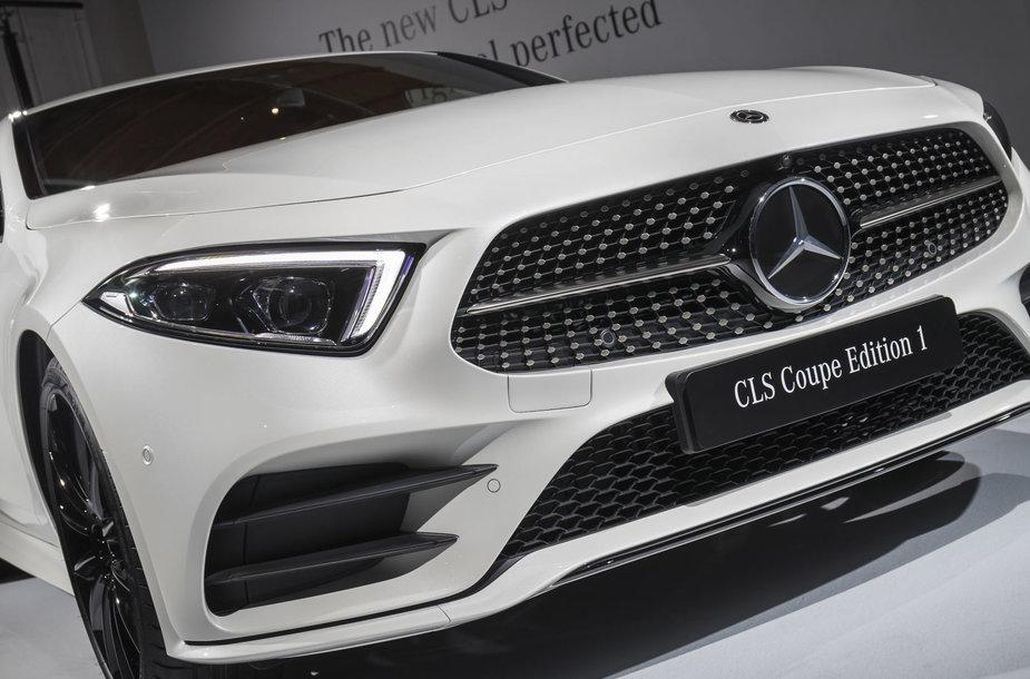 "Pirmieji debiutuos trys ""Mercedes Benz CLS"" modeliai"