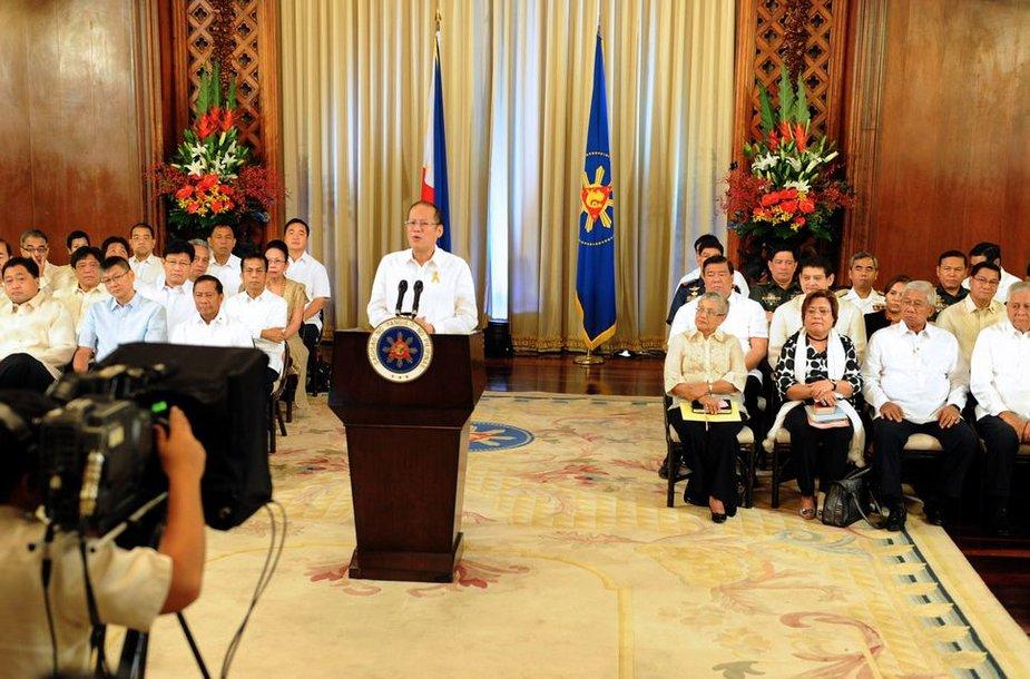 Filipinų prezidentas Benigno Aquino sekmadienį paskelbė, kad buvo pasiektas susitarimas su musulmonų separatistų sukilėliais užbaigti jau dešimtmečius trunkantį jų sukilimą.