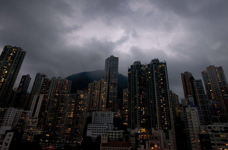 Audros debesys virš Honkongo