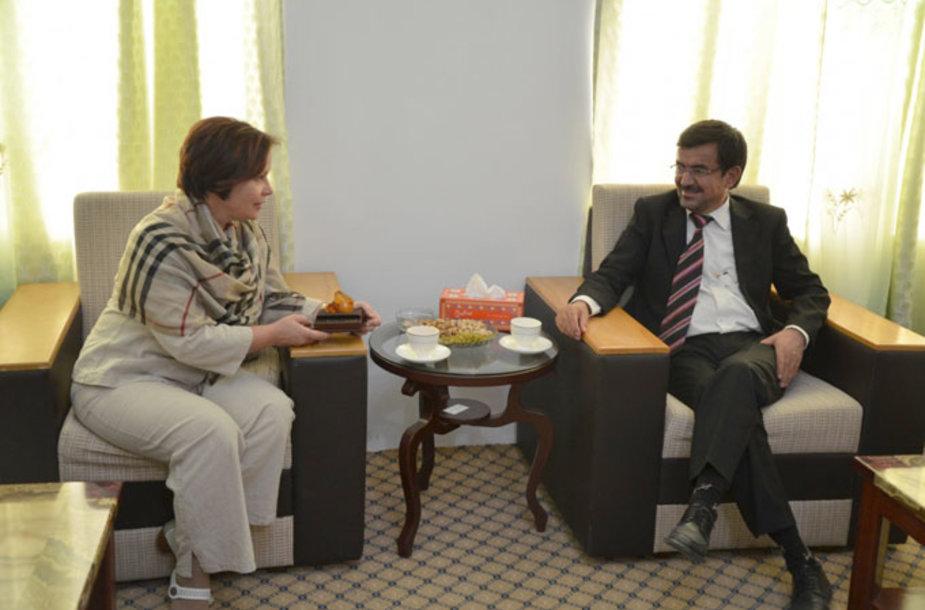Ministrė Rasa Juknevičienė Afganistane susitinka su Goro gubernatoriumi Sayedu Anwaru Rahmati