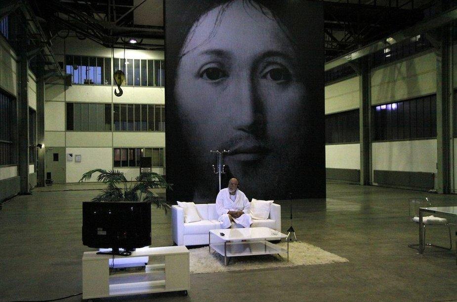 """Romeo Castellucci spektaklis """"Apie Dievo Sūnaus veido koncepciją"""""""