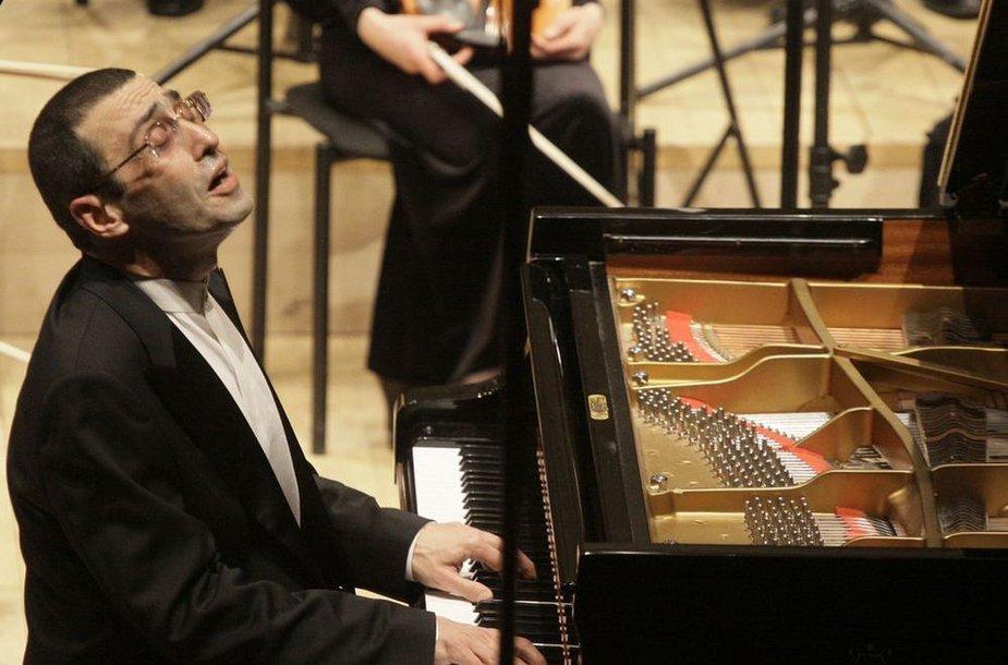 Pianistas Alexander Paley