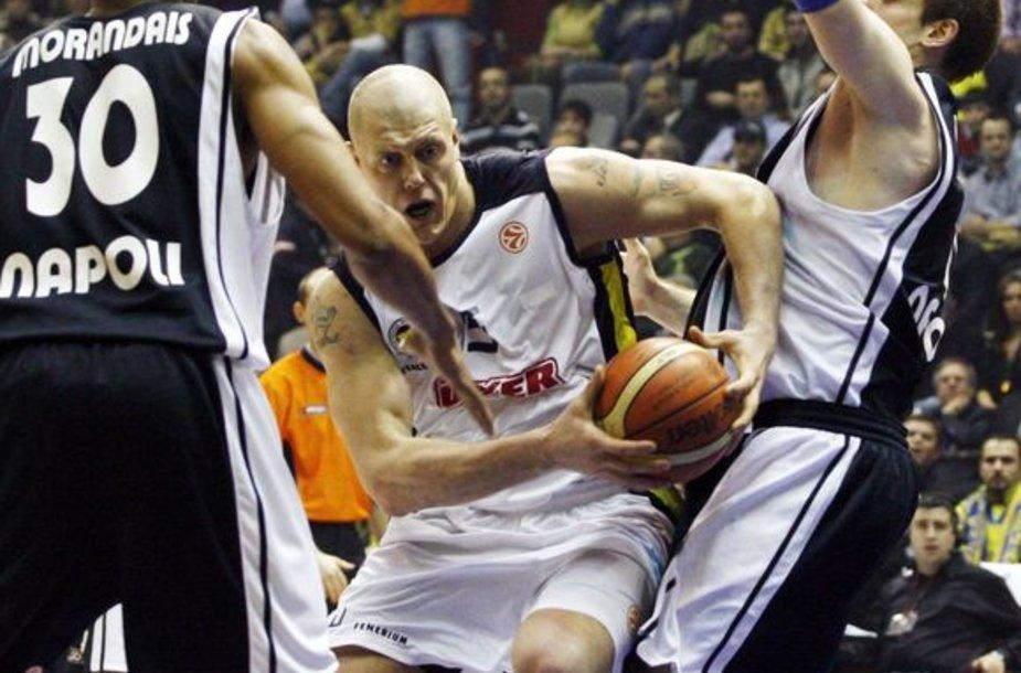 Prieš diskvalifikaciją K.Kambala žaidė Turkijoje
