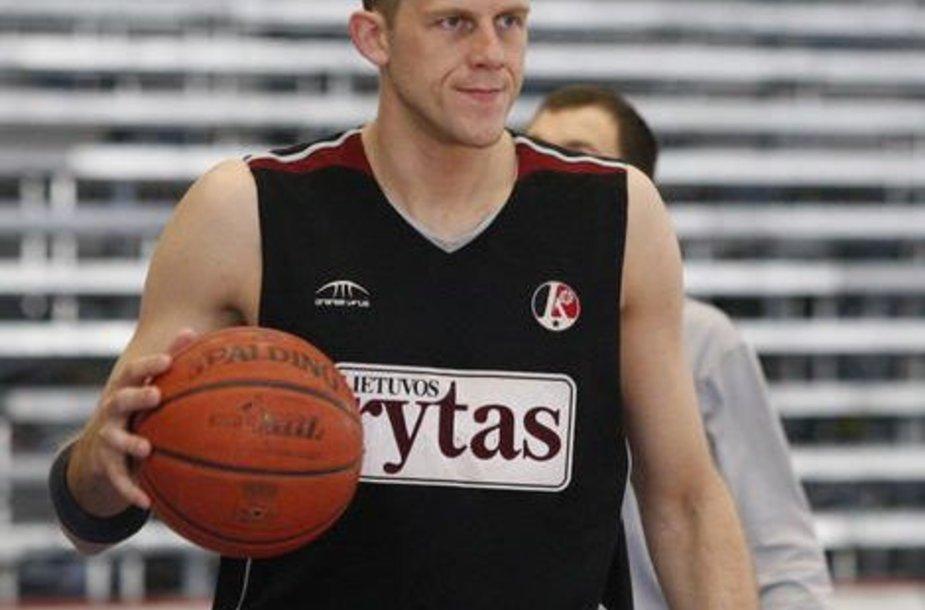 M.Petravičius