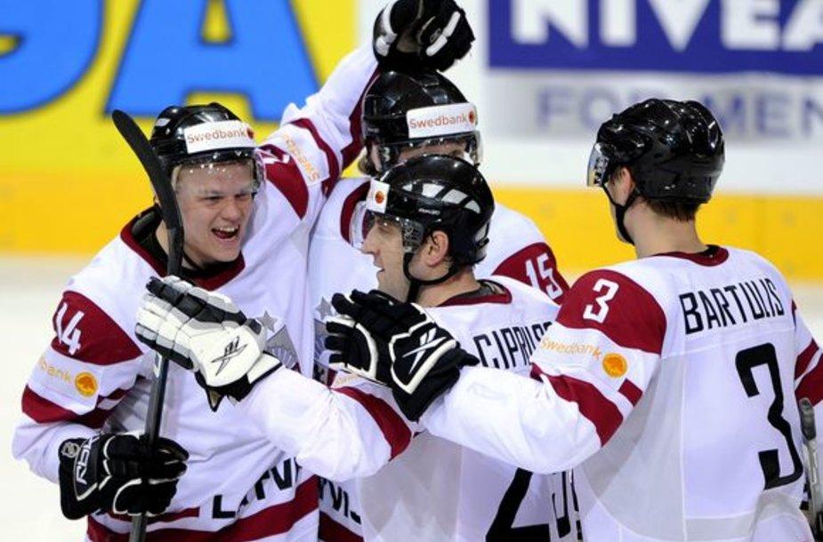 Latviai ketvirtinalyje susgrums su pasaulio vicečempione Kanados rinktine