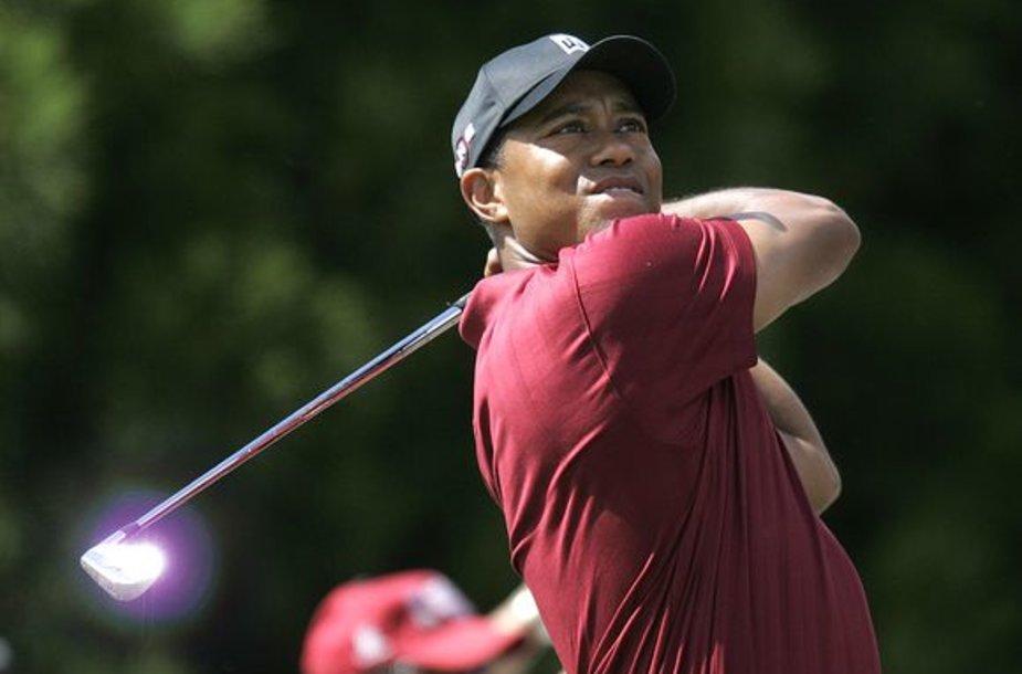 T.Woodsas milijardo ribą peržengė po turnyro Atlantoje