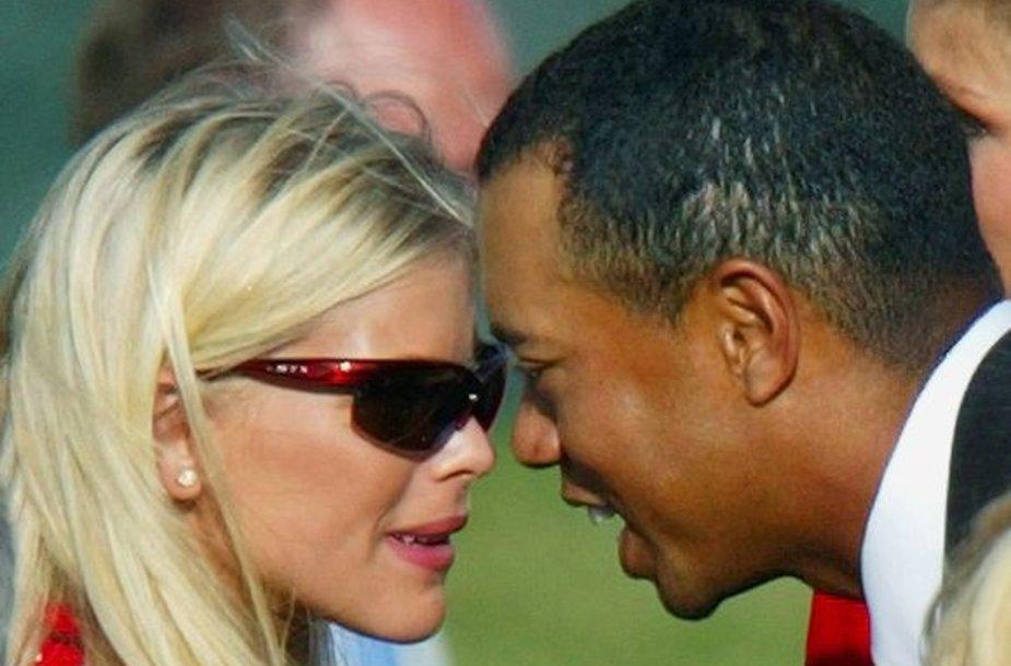 Žiniasklaida teigia, kad avarija - T.Woodso kivirčo su žmona padarinys