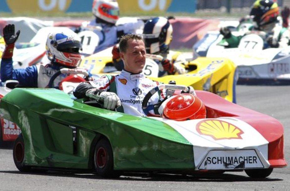 M.Schumacheris demonstruoja, kad dar turi parako