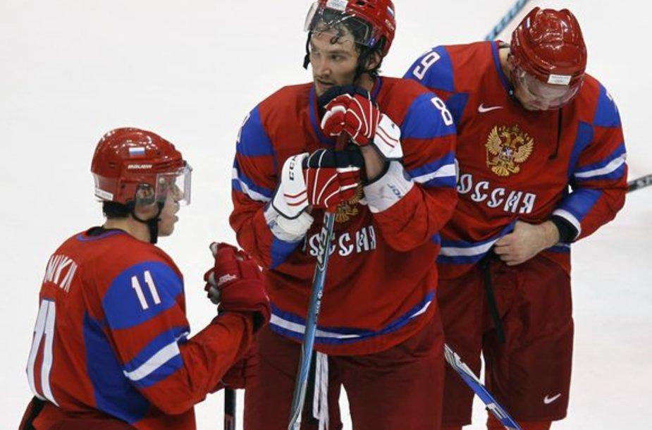 Rusijos ledo ritulininkų viltys tapti čempionais žlugo anksti