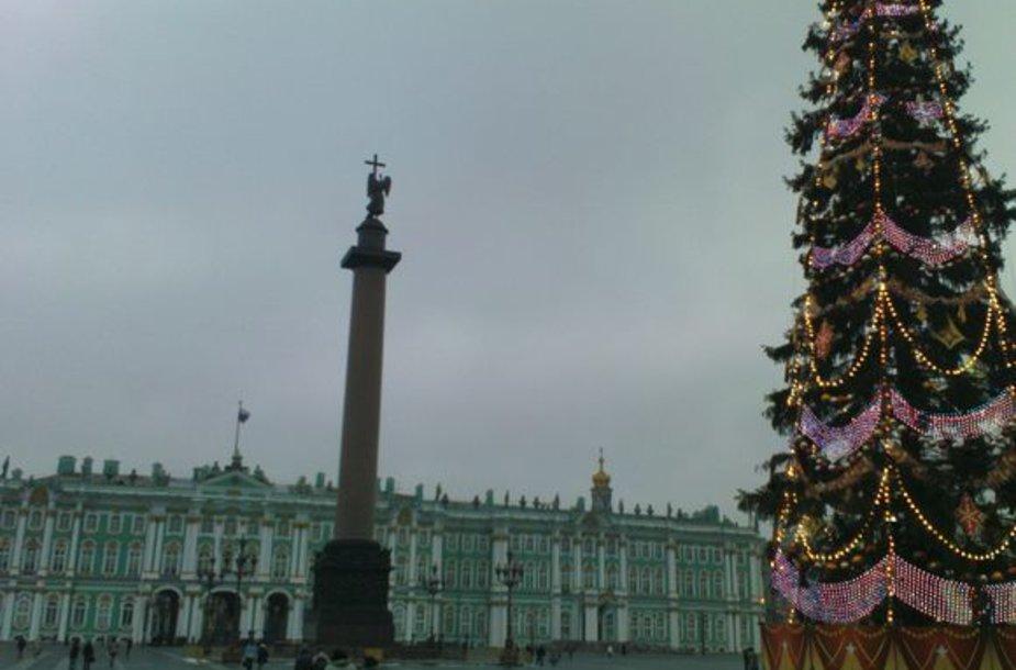 Sankt Peterburge žiemą šviesu būna vos kelias valandas