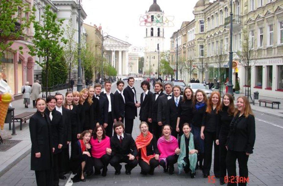 """Didžiosiomis giesmėmis Šv.Ignoto bažnyčią užpildys chorai """"Aidija"""" ir """"Schola Gregoriana Vilnensis""""."""