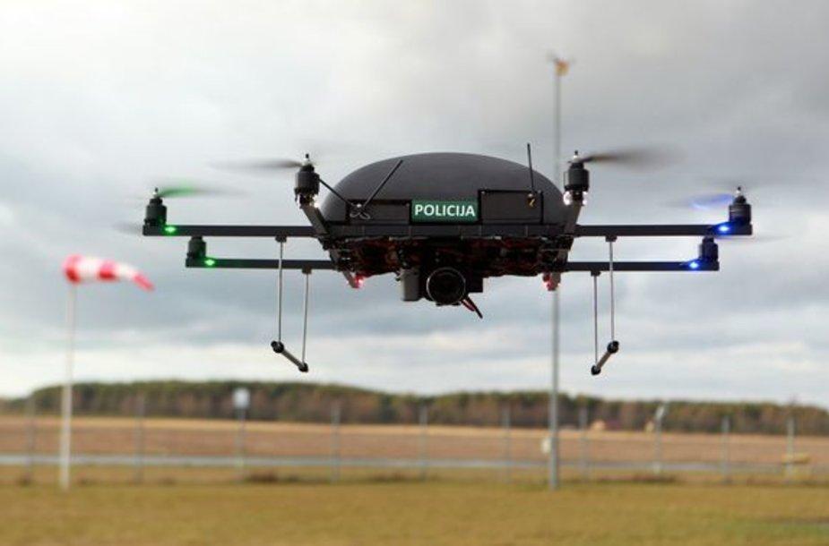 Vilniaus policija kartu su sostinės savivaldybe įsigijo skraidantį nepilotinį aparatą su vaizdo stebėjimo įranga.