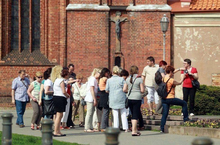 Saulėje švytintis Vilnius nudžiugino užsienio turistus