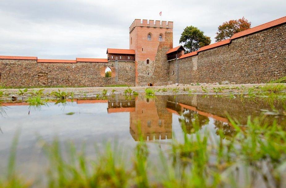 Atstatyta Medininkų pilis