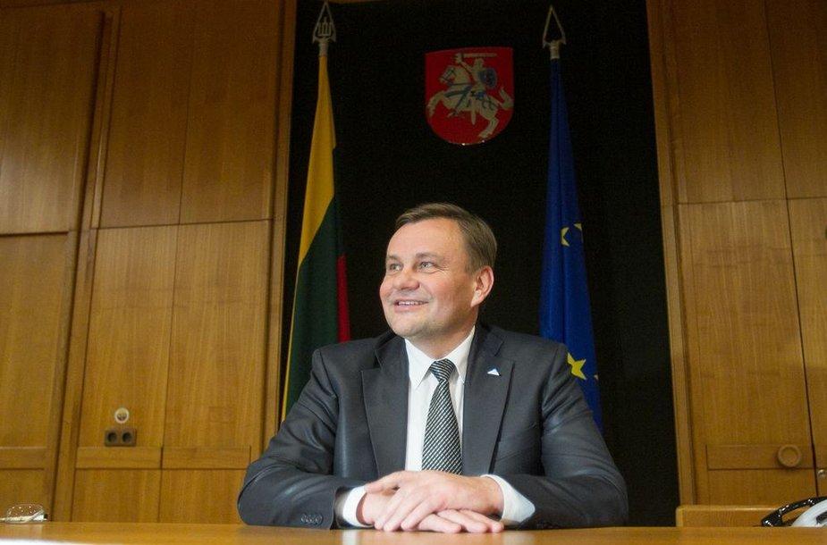 Išrinktas Seimo pirmininkas Vydas Gedvilas savo kabinete