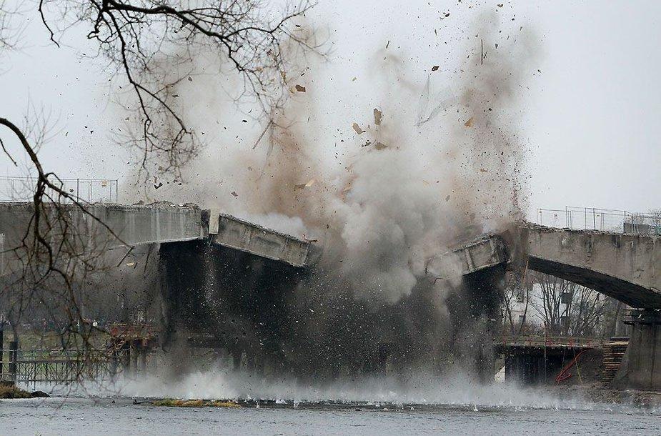 Sprogdinamas Panemunės tiltas