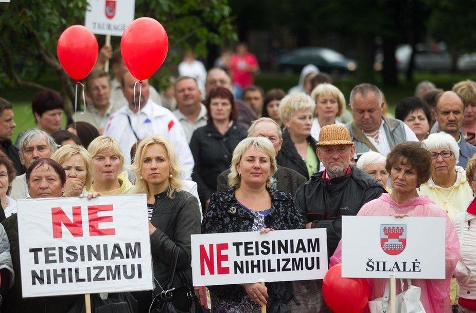 """""""Darbiečių"""" protestas Vilniaus Lukiškių aikštėje"""