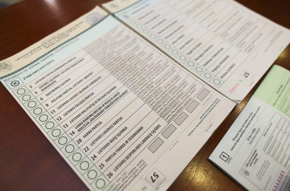 Prezidentė Dalia Grybauskaitė iš anksto balsuoja savivaldybių tarybų rinkimuose