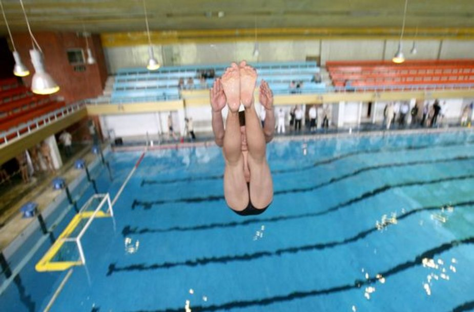 Pristatytas renovuotas Lazdynų baseinas