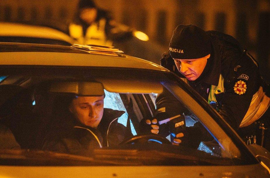Vilniuje per policijos reidą įkliuvo 33 pažeidėjai