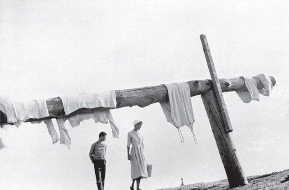 """""""Jis žaidė fotografija"""", – prisimena garsaus lietuvių kilmės Lenkijos fotografo žmona."""
