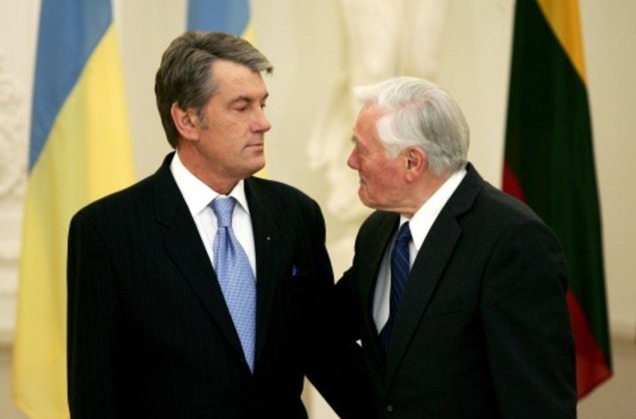 Valdas Adamkus ir Viktoras Juščenka teigė, kad tai, kas nuveikta, gali būti vertinama tik teigiamai.