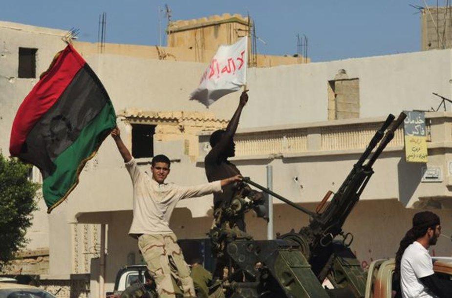 Kol kas Libijoje šventė. Tačiau šalies ateitis neaiški.
