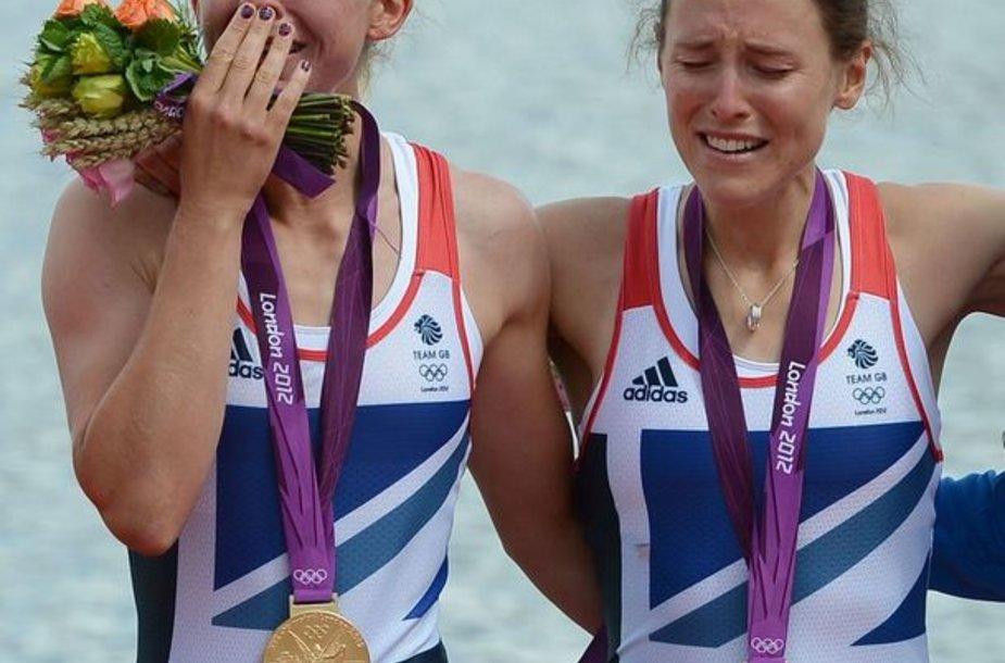 Britų sportininkės verkia apdovanojimų metu