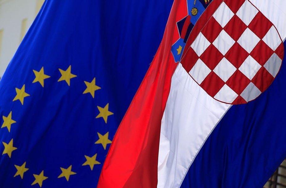 Kroatijos ir Europos Sąjungos vėliavos