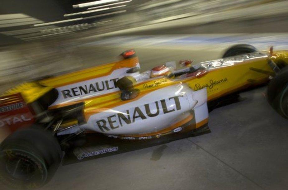 """""""Renault"""" ekipa iš """"Formulės-1"""" čempionato pasitrauktų nedelsiant"""