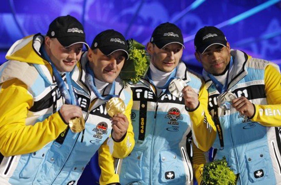Dviviečių bobslėjaus rogių varžybose vokiečių ekipažai laimėjo ir auksą, ir sidabrą