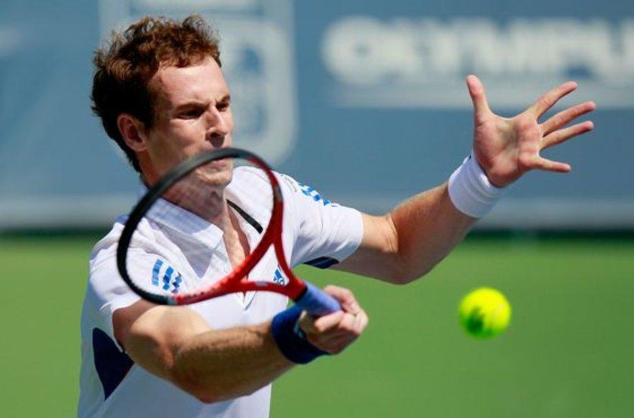 A.Murray'us sėkmingai pradėjo teniso turnyrą Ispanijoje