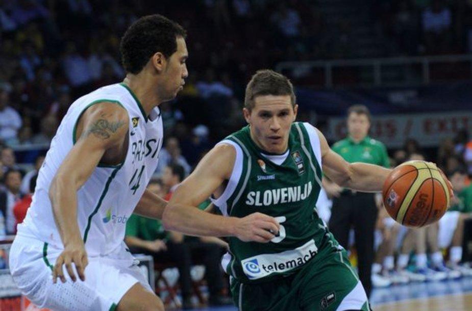 J.Lakovičius (dešinėje)