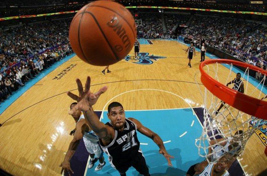 "Timas Duncanas veda ""Spurs"" į pergales."