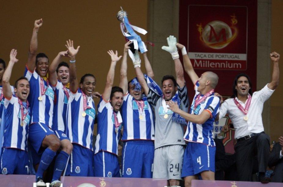"""""""Porto"""" futbolininkai šį sezoną virš galvos kėlė tris taures."""