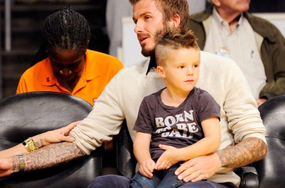 Cruzas su tėčiu Davidu Beckhamu
