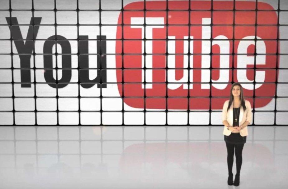 """Šių metų """"YouTube"""" žvaigždė Rebecca Black."""