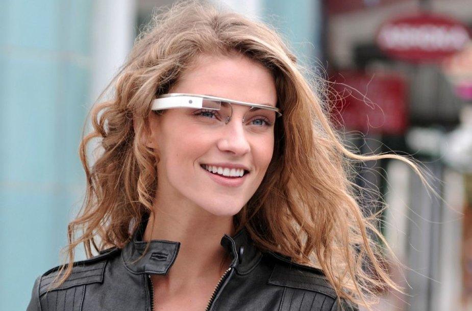 """""""Google"""" papildytosios realybės akinių prototipas"""