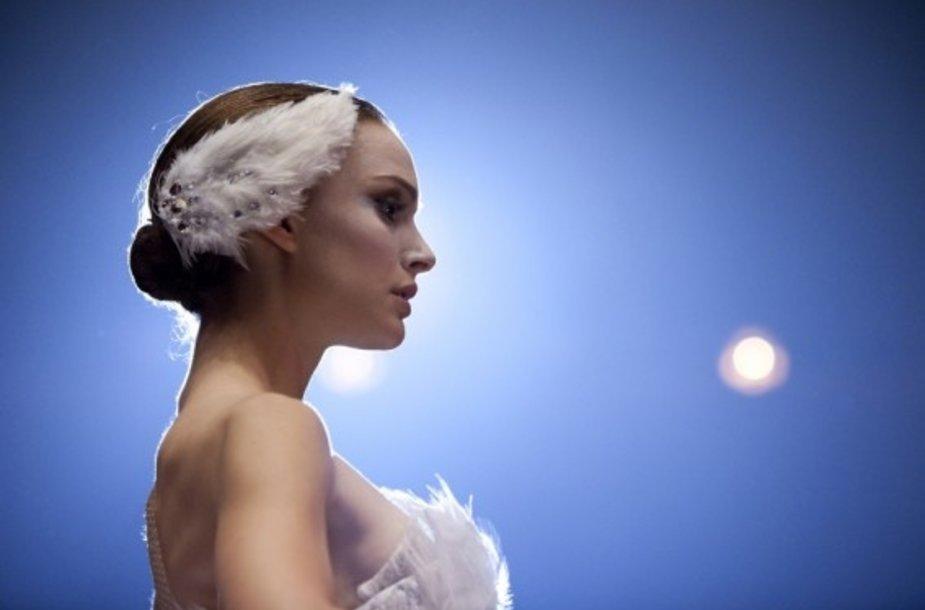 """""""Juodosios gulbės"""" žvaigždė Natalie Portman"""