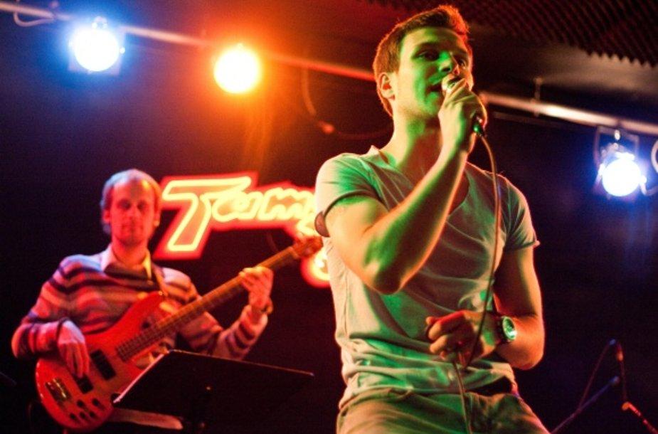 """Vaidas Baumila gegužės 14-osios vakarą koncertavo sostinės muzikos klube """"Tamsta""""."""