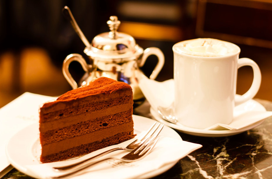 Pyragas ir kava kavinėje Vienoje
