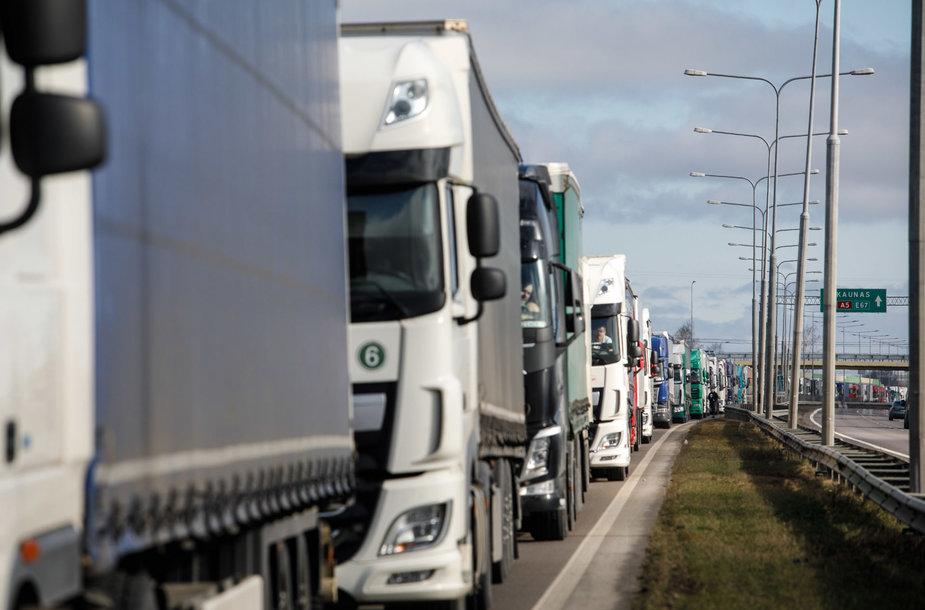Lenkijos link vykstančių vilkikų eilės