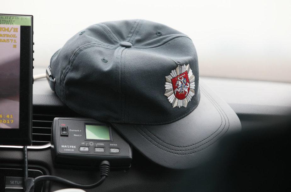 Diena su nežymėtu policijos automobiliu