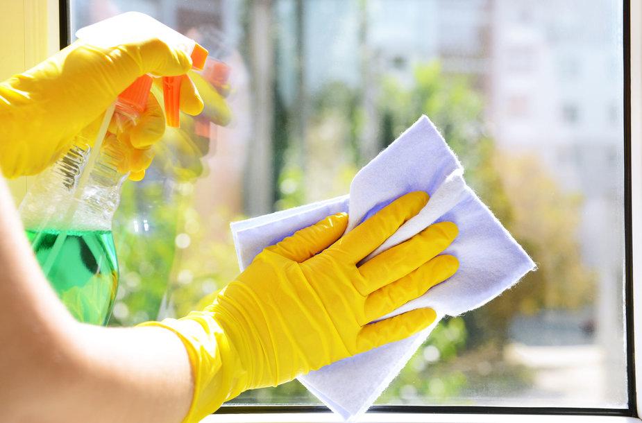 Kad langai žvilgėtų, nebūtina naudoti agresyves chemines valymo priemones