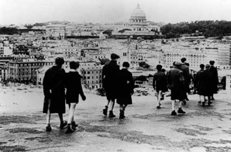 """R.Rosselini filmas """"Roma - atviras miestas""""."""