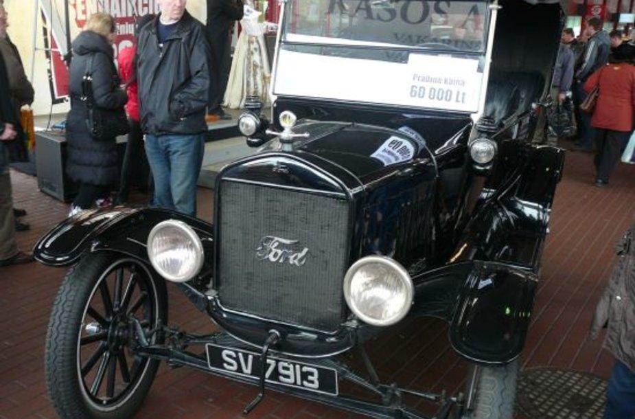 Legendinis automobilis sudomino kolekcionierius
